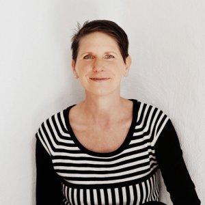 Autorin Sabine Dinkel
